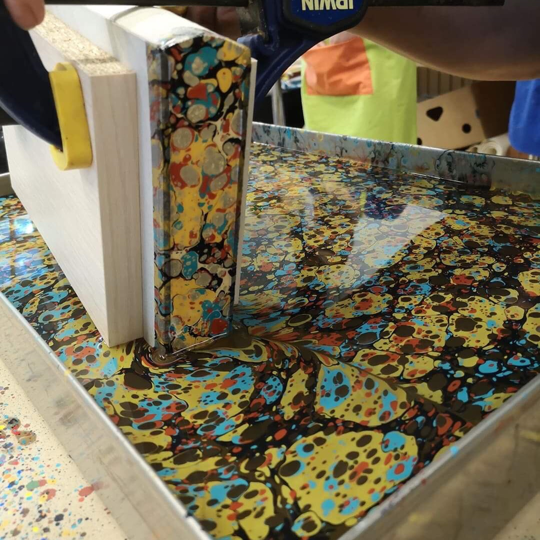 Knygos bloko marmuravimas || Book edges marbling